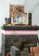 Пристенный камин с изразцовыми элементами село Скатовка