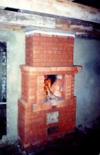 Пристенный камин в бане. г. Саратов.